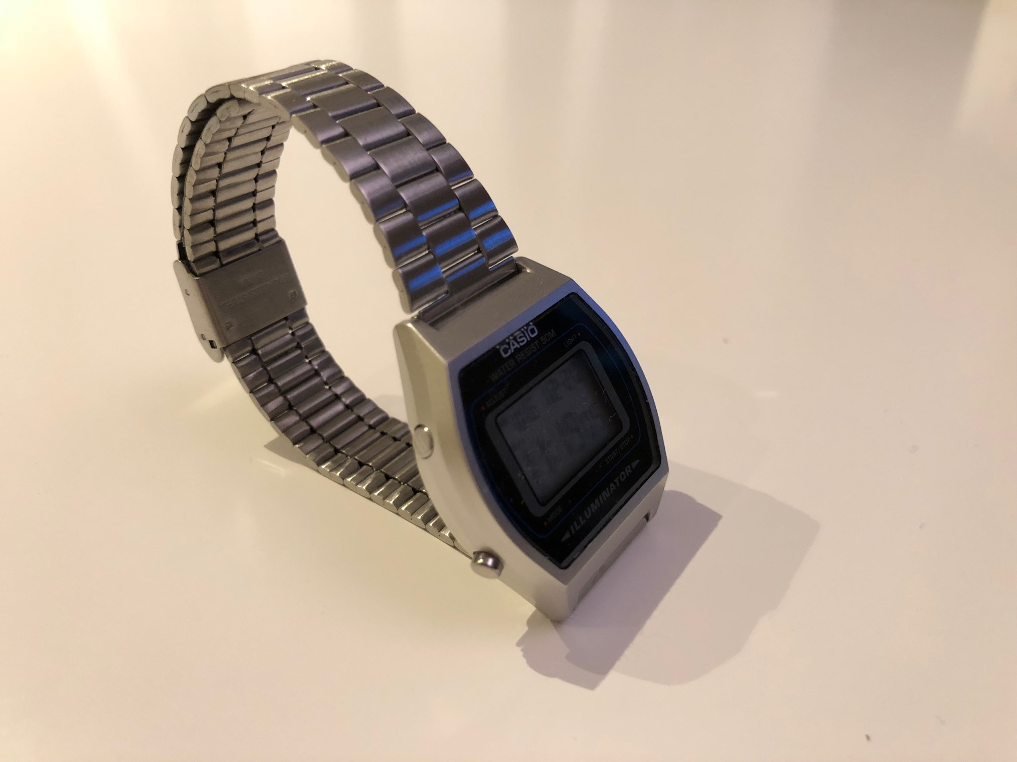 Montre CASIO illuminator